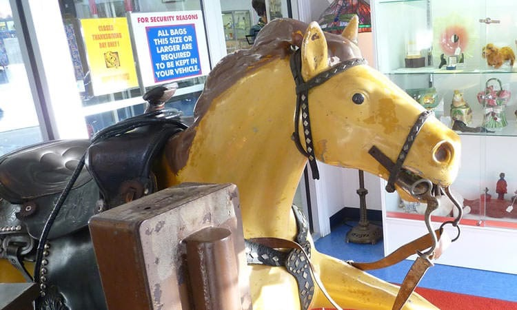 exit-76-antique-mall-horse