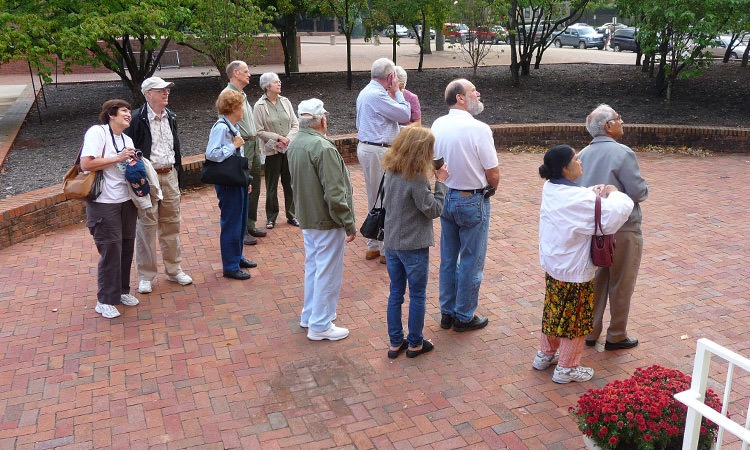 group-tour-at-visitors-center-columbus-indiana