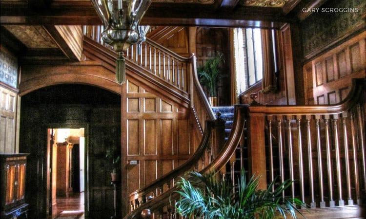 Inn at Irwin Gardens interior, by Gary Scroggins