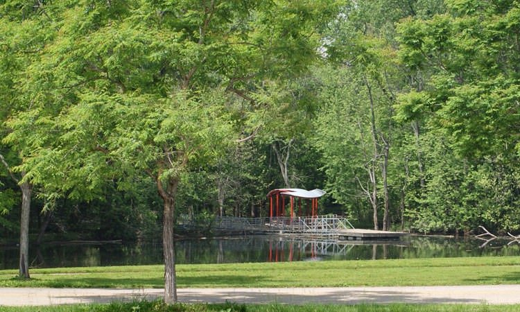 mill-race-park-columbus-in-pond1