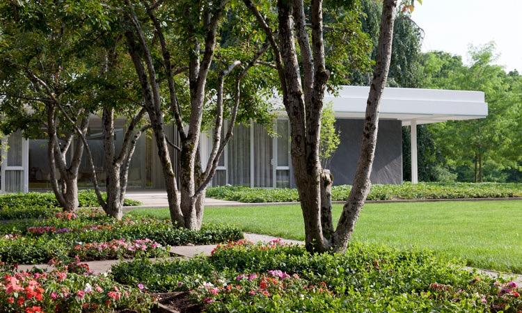 Miller House and Garden landscaping