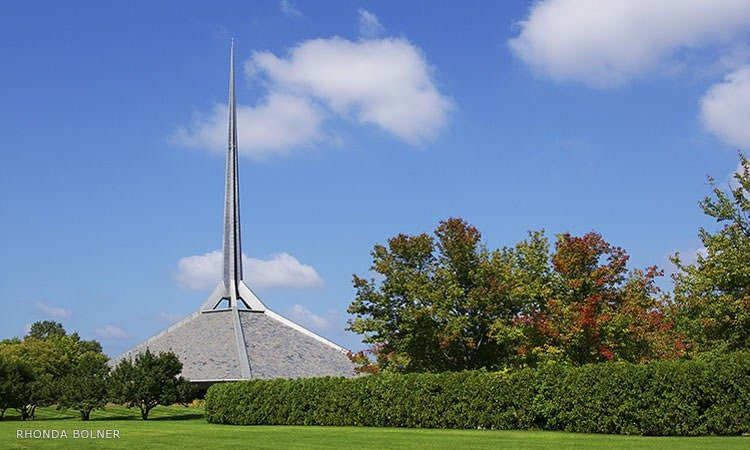 North Christian Church, Eero Saarinen - Columbus, Indiana - photo by Rhonda Bolner