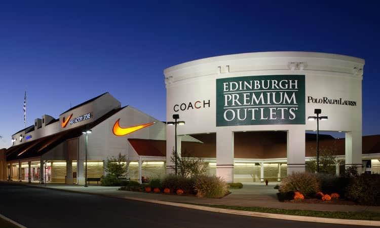Edinburgh Premium Outlets at dusk