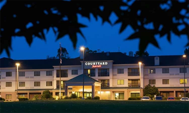 image : Courtyard by Marriott