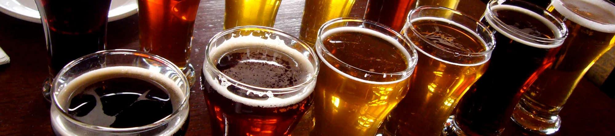 beer flight Flickr photo by Paul Joseph - posted at https://goo.gl/opZ9Fv