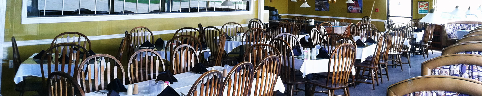 Hangar 5 restaurant tables