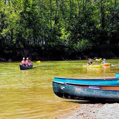 Blue's Canoes, Columbus