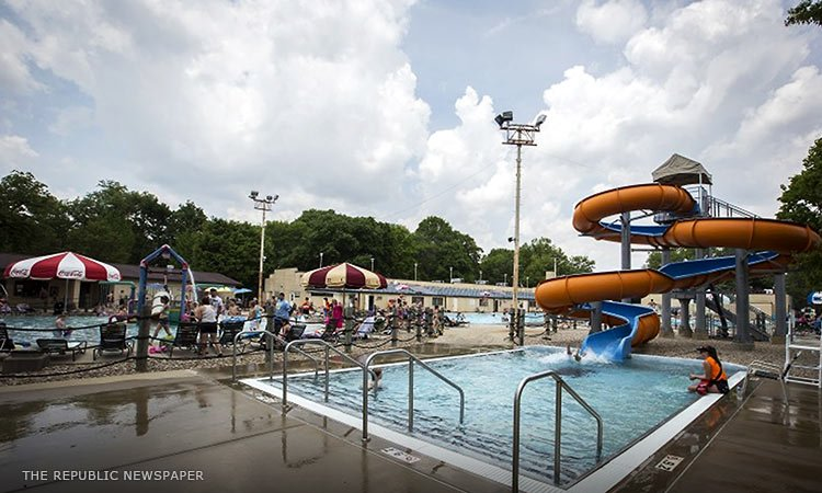 Donner Park waterslide, photo by The Republic newspaper