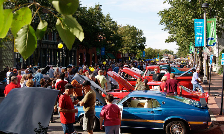 Hot Rods and Rock 'n' Roll - downtown Columbus, Indiana