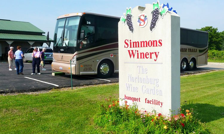 simmons-winery-tour-bus