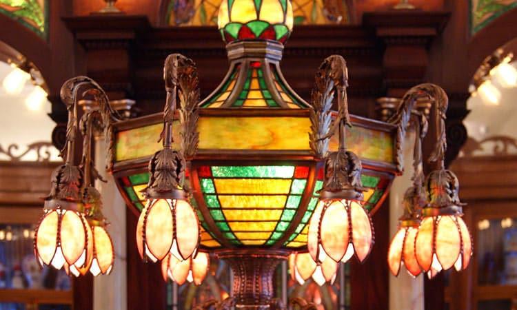 Zaharakos - Tiffany style lamp