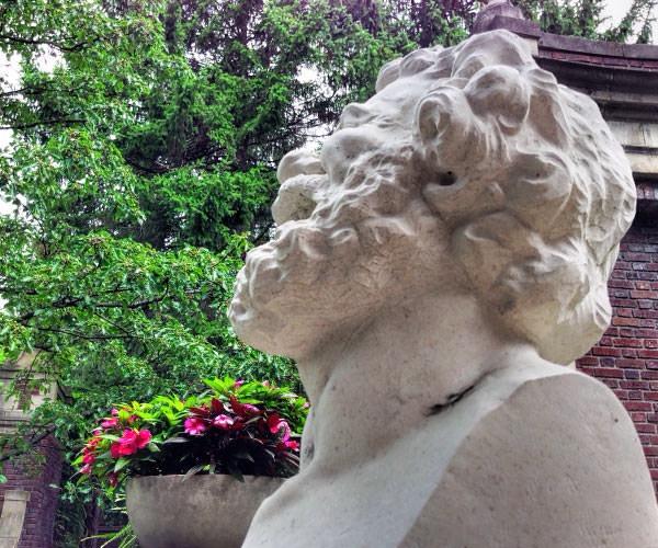 Inn at Irwin Gardens - sculpture